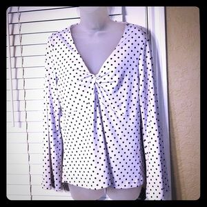 Local Boutique}Pin-up White/Black polka dot blouse